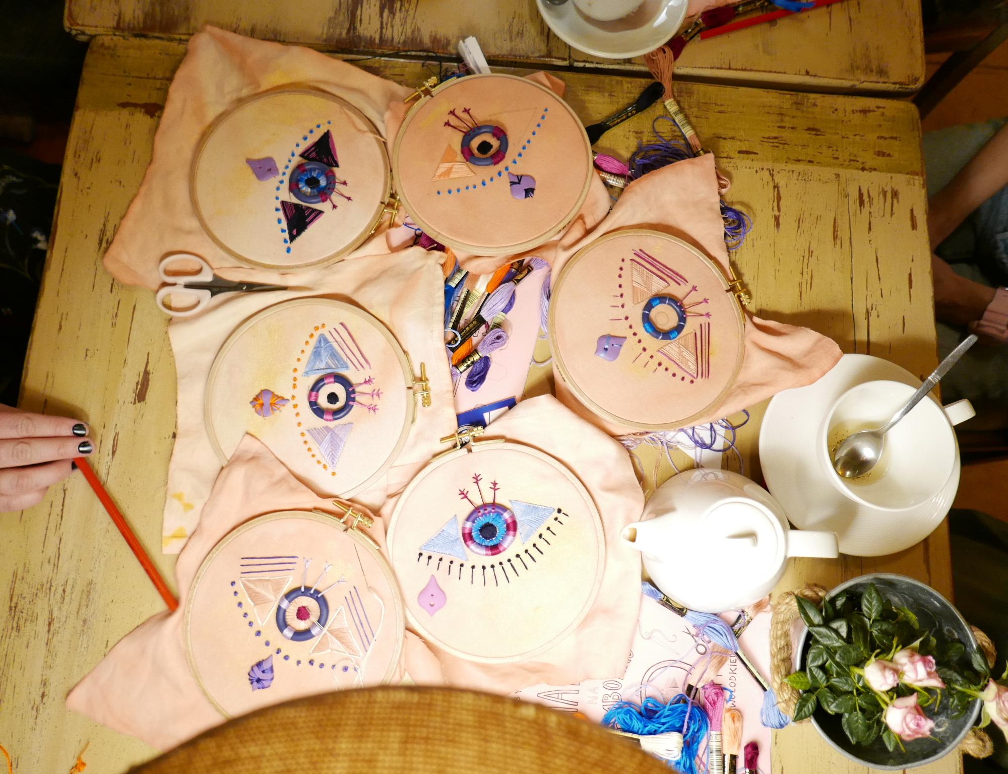 Warsztaty haftu na Tamborku