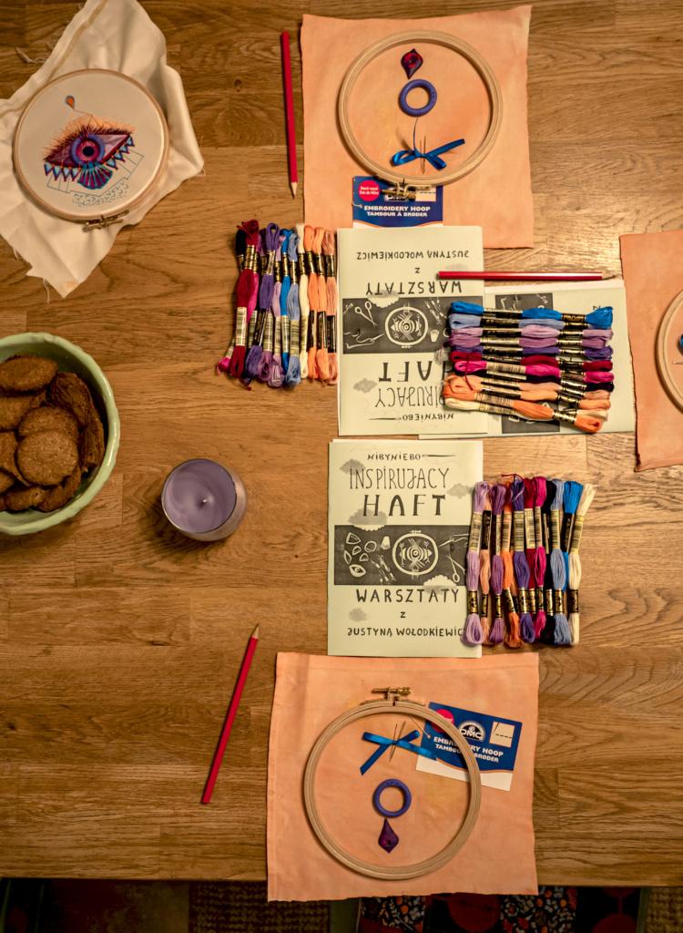materiały na warsztatach haftu nowoczesnego